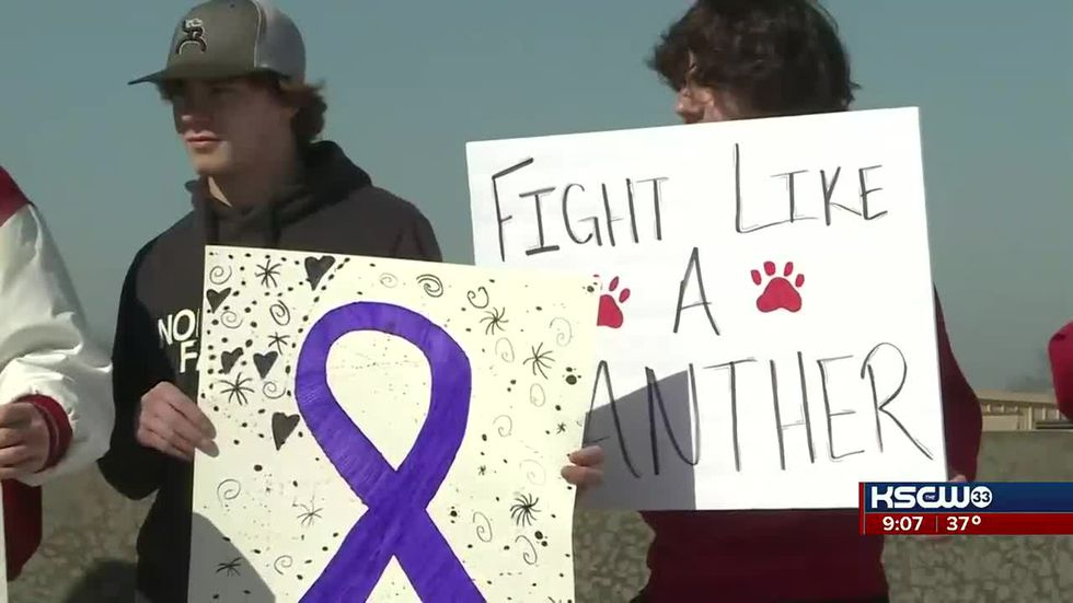 Community rallies in support of student fighting cancer