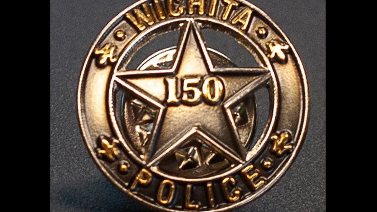 Officers can wear the badge until the end of 2021.