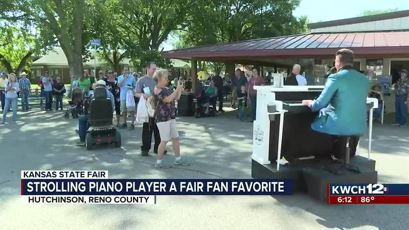 strolling piano player