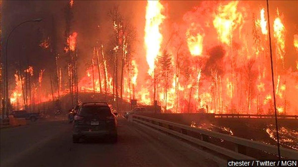 Colorado wildfire forces evacuations, burning 6,000 acres
