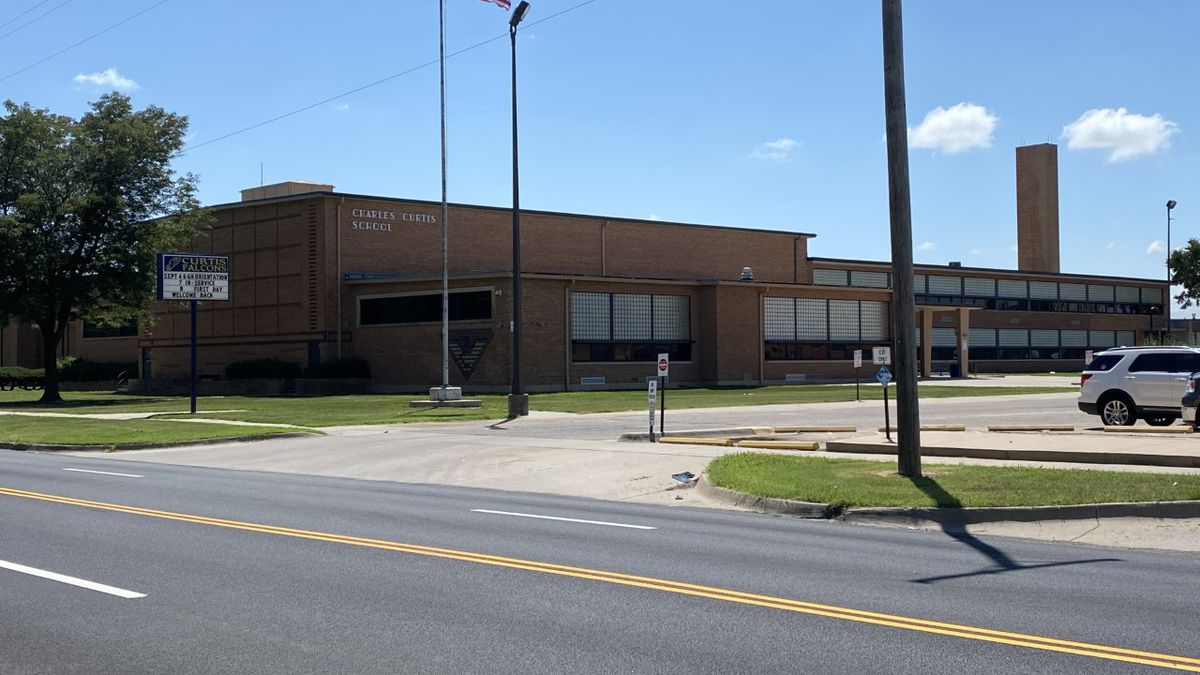 Wichita Public Schools confirms a staff member at Curtis Middle School has tested positive for COVID-19.