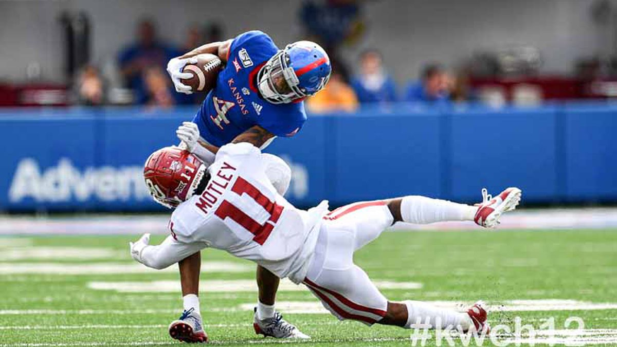 Oct 5, 2019; Lawrence, Kansas, USA; during a Big 12 football game between the Oklahoma Sooners and Kansas Jayhawks at David Booth Memorial Stadium ©KellyRoss