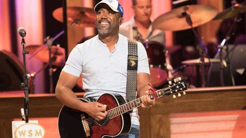 Grammy-award winner Darius Rucker quietly picked up the tabs for everyone dining at a Mount...