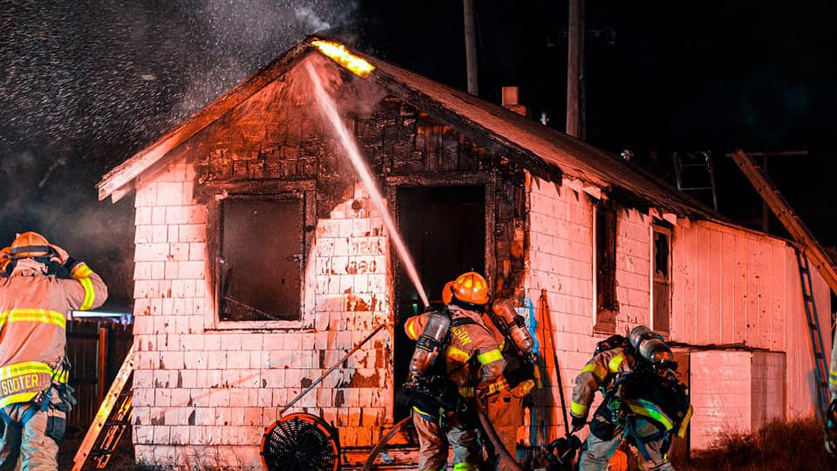 No injuries were reported after a fire early Tuesday morning in Hutchinson.