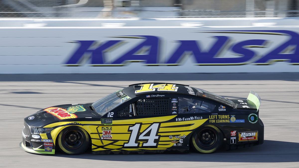 NASCAR's Johnson OK'd to race after 2 negative virus tests