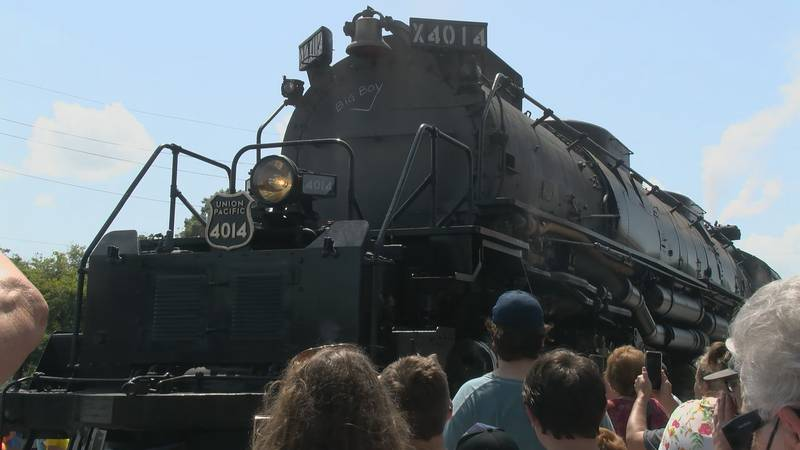 """The world's largest locomotive, """"Big Boy"""" number 4014, was in use in 1941."""